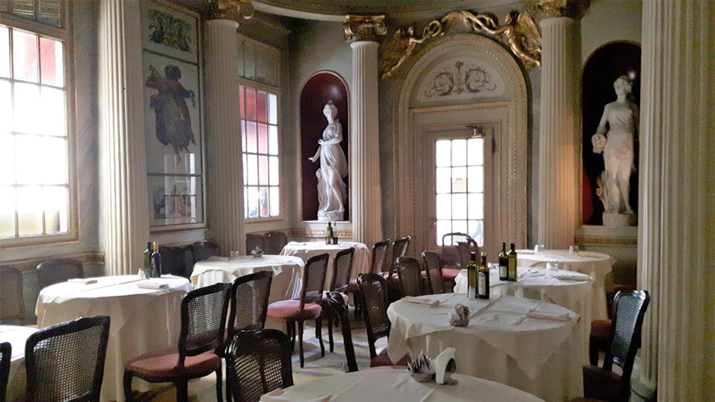 """Photo of Il """"salotto"""" di Torino e il Caffè San Carlo compiono 400 anni: furono inaugurati nel 1618"""