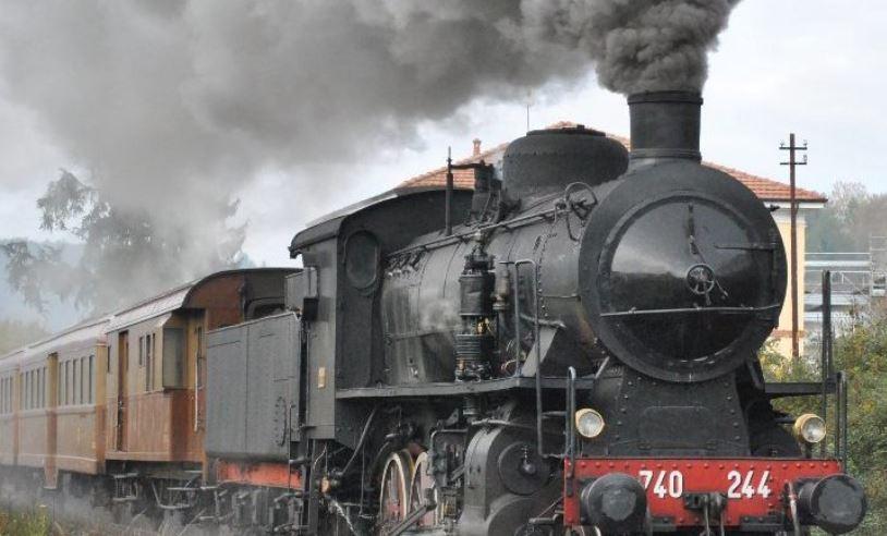 Photo of Il 16 e 30 dicembre torna il treno storico da Asti a Castagnole delle Lanze