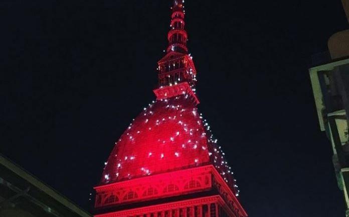 Photo of La Mole Antonelliana s'illumina di rosso: l'annuncio della sindaca su Instagram
