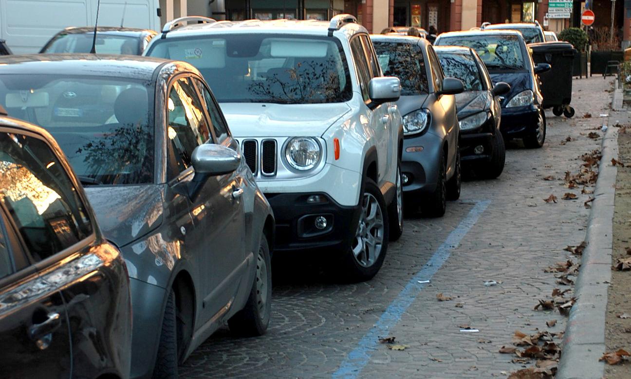Photo of Asti, parcheggi gratuiti nel periodo pre-natalizo per due ore esponendo il disco orario