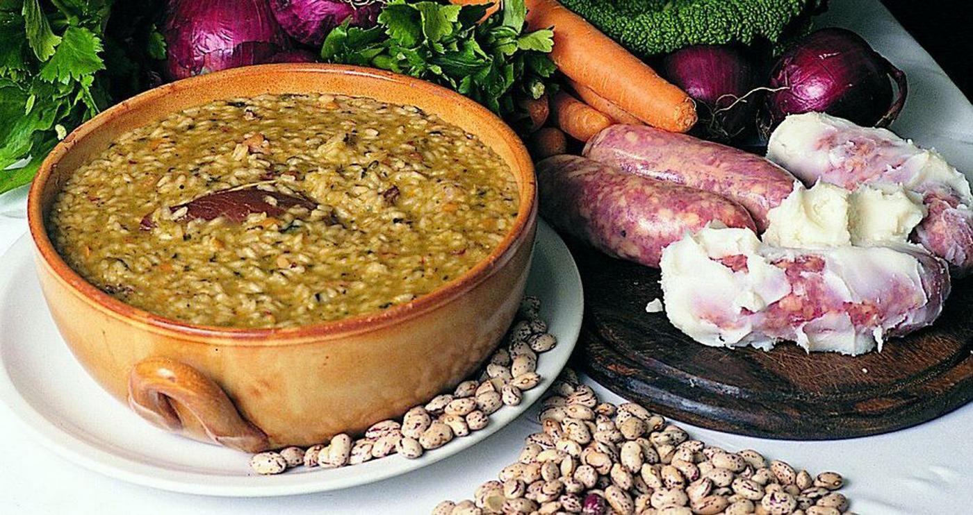 Photo of Tradizioni novaresi in cucina, tra riso, rane, salame d'oca e… biscottini