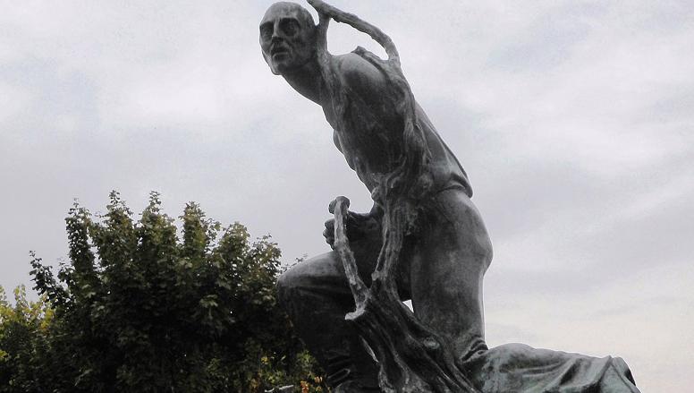 Photo of La Morra, svanita nel nulla la Statua del Vignaiolo: l'appello della sindaca