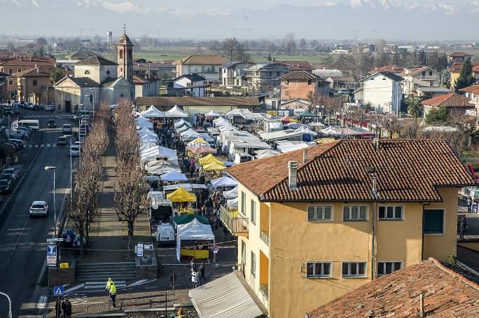 Photo of C'è aria di Natale a Morozzo con la tradizionale Fiera del Cappone