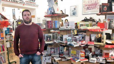Photo of Torino, chiude i battenti la libreria AUT di via Barbaroux