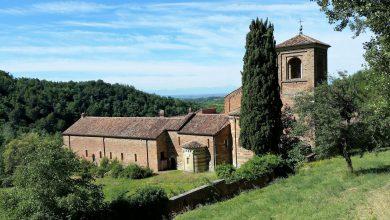 Photo of Vezzolano, la canonica che la leggenda vuole fondata da Carlo Magno