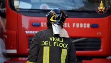 Photo of Vasto incendio ad Arona in area commerciale: ritardi anche ai treni