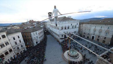 Photo of Il funambolo Andrea Loreni il 15 agosto a Castelmagno