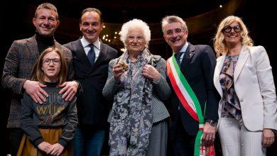 Photo of Alba, alla senatrice Liliana Segre il Tartufo dell'Anno