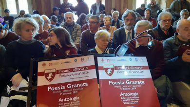 Photo of Emozioni tinte di leggenda alla premiazione di Poesia Granata