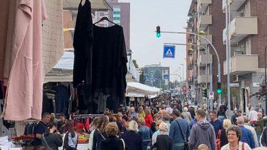"""Photo of Le """"boutique a cielo aperto"""" di Forte dei Marmi domenica a Moncalieri"""