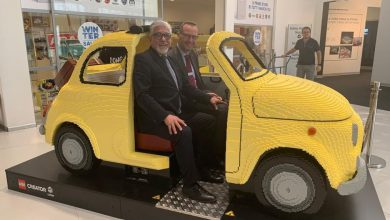 Photo of Una Fiat 500 realizzata con 190.000 mattoncini Lego