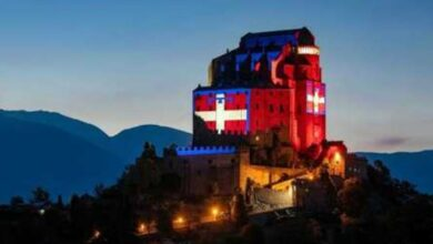 "Photo of Il ""drapò"" torna ad illuminare la Sacra di San Michele"