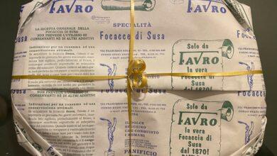 Photo of Premiata la Famiglia Favro per i 150 anni di produzione della Focaccia di Susa